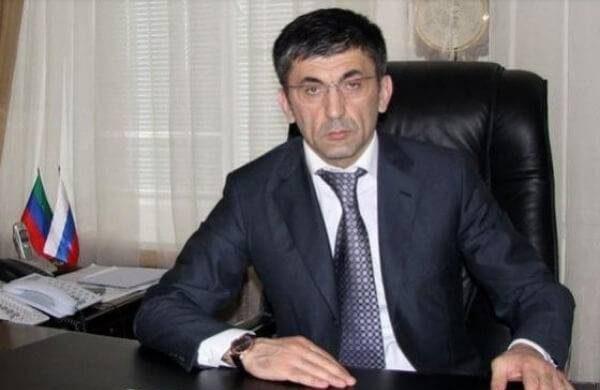 Магомед Гаджиев Фикса не только построил успешную карьеру, но и постоянно участвует в благотворительности itemprop=