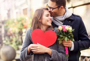 Беспроигрышные комплименты женщинам на 8 марта своими словами и в стихах