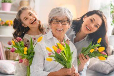 Трогательные поздравления маме и бабушке с 8 марта