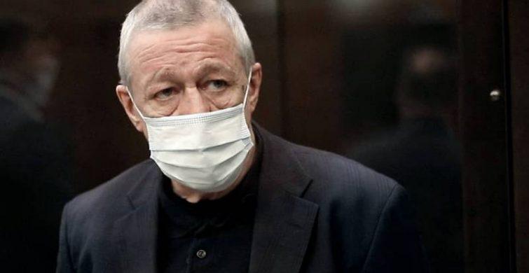 Адвокаты Михаила Ефремова снова пытаются смягчить приговор актеру itemprop=