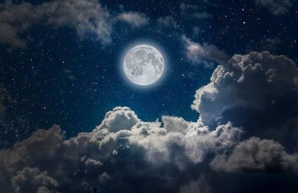 Волшебное Голубое полнолуние в августе 2021 года и его влияние на знаки Зодиака itemprop=